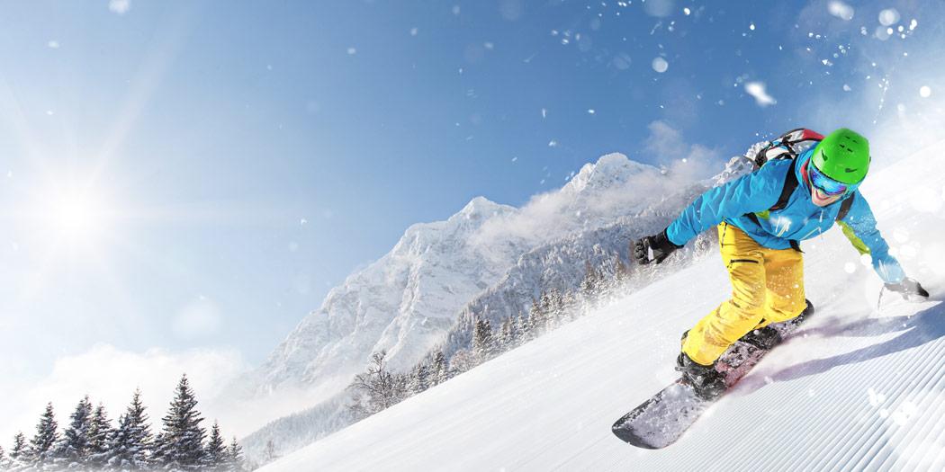 Snowboard Liebhaber auf dem Berg