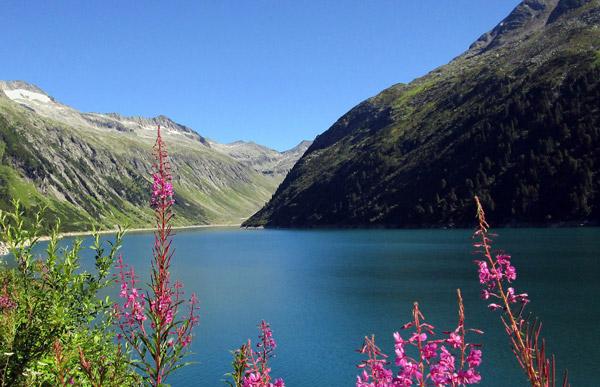 schöne Aussichten auf dem Weg nach Klein Tibet